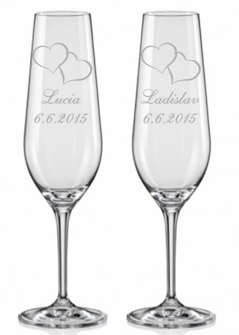 Svatební skleničky s motivem srdcí