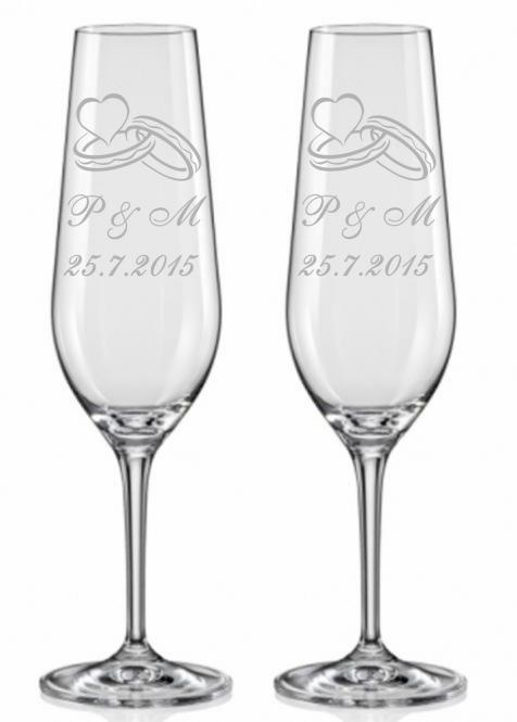 Svatební skleničky s prstýnky a monogramem